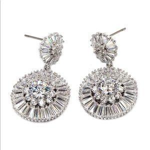 Shining silver circle crystal earrings